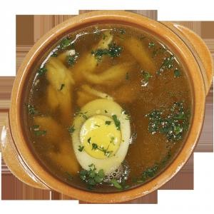 Суп куриный с гренками